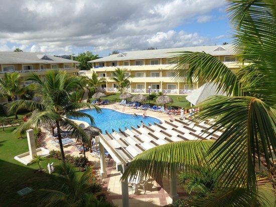 Grand Bahia Principe El Portillo: View from room to quiet pool