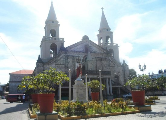 Hotels Near Jaro Cathedral