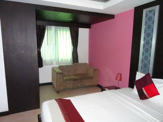 Oasis Inn Bangkok Hotel: 窓は多い