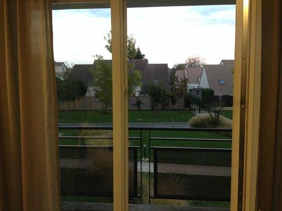 Residhome Roissy Village: Вид с балкона