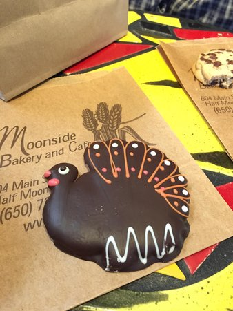 Moonside Bakery and Cafe: Turkey cookie