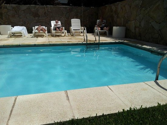 Rental Suites Pilar : Pileta