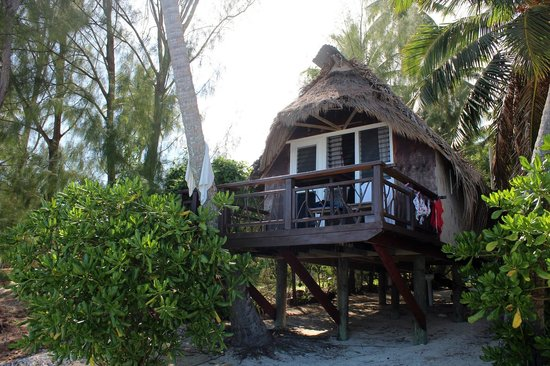 Paradise Cove Lodges: Our bungalow - number 1