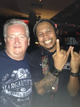 Hard Rock Cafe Pattaya: Bill and manager Joe