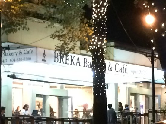 Breka Bakery and Cafe : De li cious