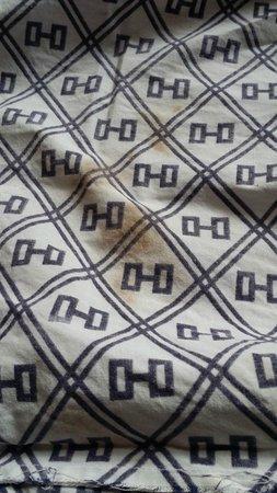 Daiya Ryokan: Daiya Inn - Yukata with patches of blood stain (3)