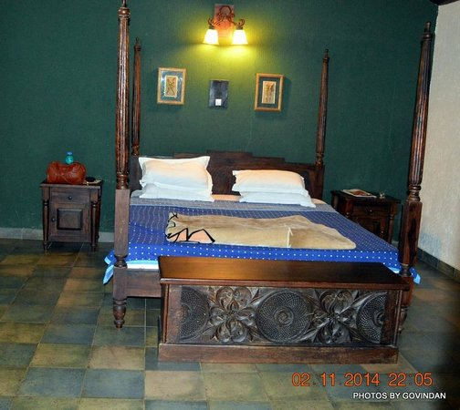 Coffee Village Retreat: Bed in the room