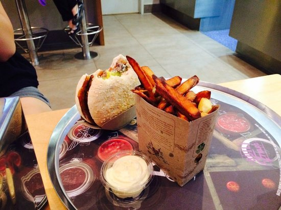 BurgerFuel Customs Street: Burger, kumara fries, garlic aioli