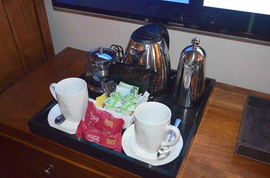 Barnham Broom: Beverage tray