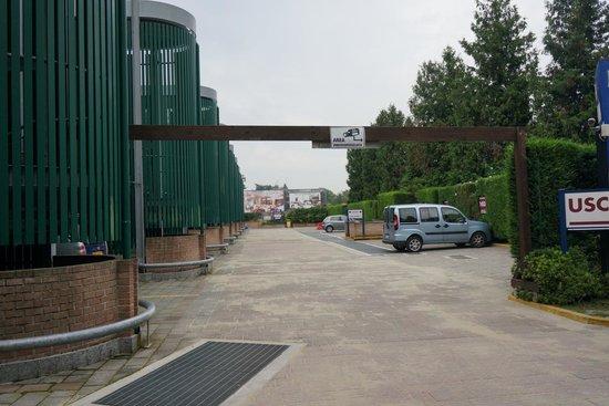 AS Hotel Monza: Парковка