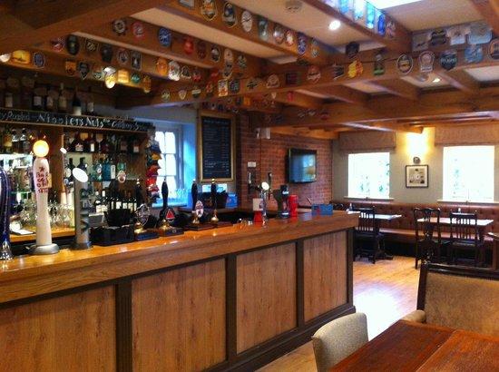 The Royal Oak: Bar/Pub