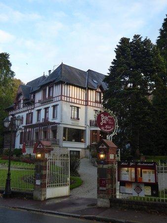 Hotel Bois Joli : Oud gezellig hotel