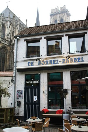 ‪De Borrel Babbel‬
