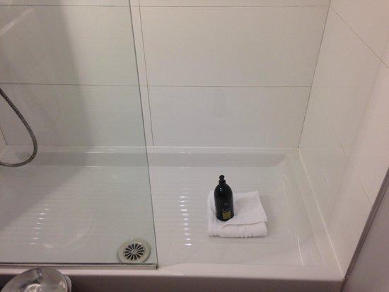 Adagio La Defense Esplanade : Baño