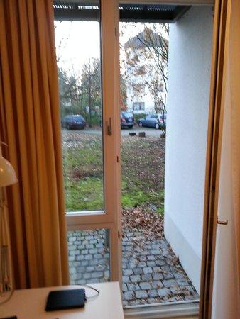Commundo Tagungshotel Neuss: Blick aus dem Zimmerfenster