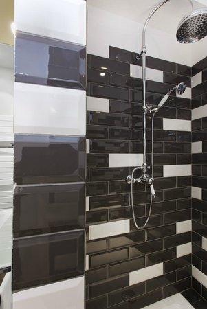 Le 1er Etage Marais: bathroom (room 3)