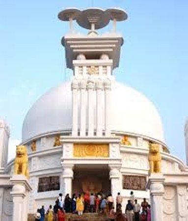 Lingaraja Temple: White Pagoda at Bhubaneswar