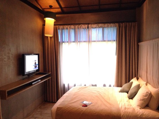 matelas tr s confortable picture of akyra chura samui chaweng tripadvisor. Black Bedroom Furniture Sets. Home Design Ideas