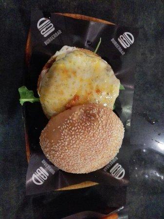 8 Cuts Burger Blends: 4 cheese burger