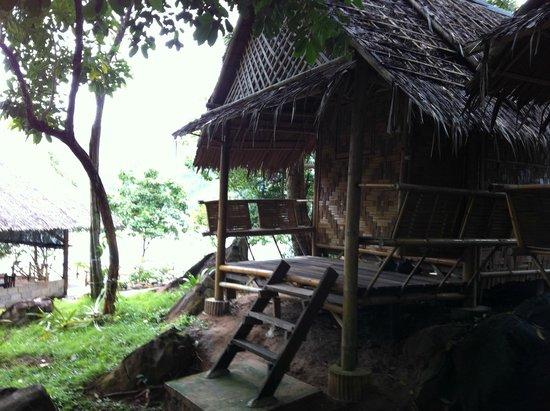 Phi Phi Sunset Pavilion Resort : A simpática varanda