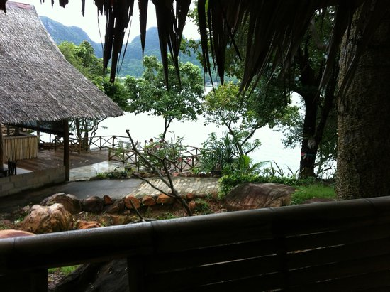 Phi Phi Sunset Pavilion Resort : Vista da baia