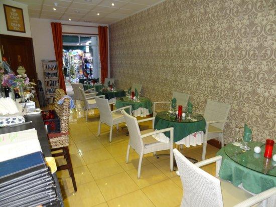 Harriet's Tea Room and Restaurant: Inside of Harriet's
