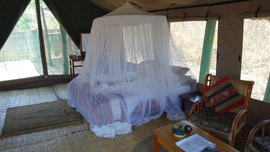 Zelt Bett bett in zelt island b picture of bua river lodge nkhotakota
