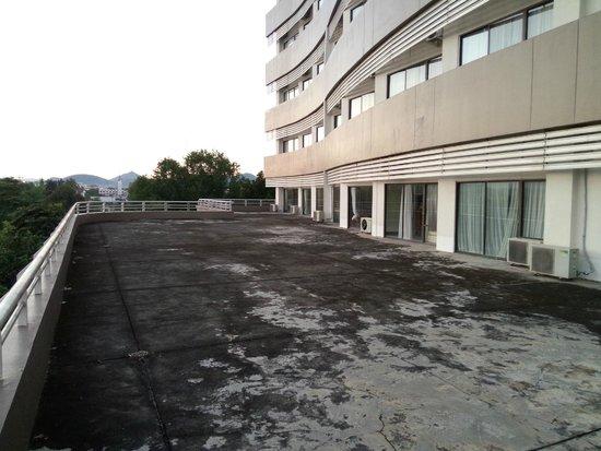 Loei Palace Hotel: Large balcony