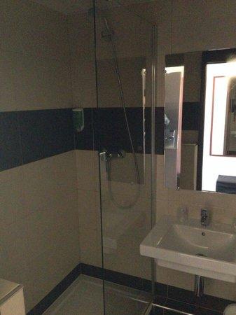 Hotel Gallieni : Bathroom