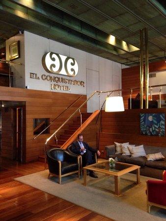 El Conquistador Hotel: Saguão do hotel