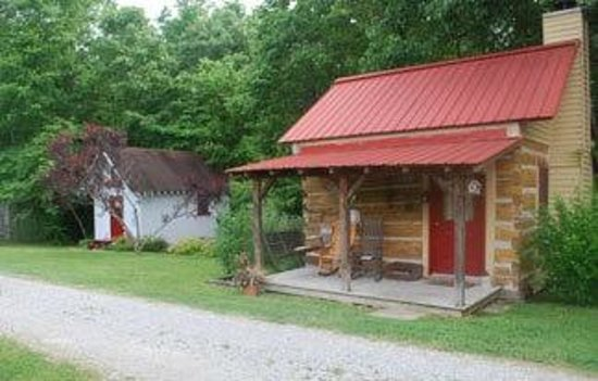 Hampshire, TN: Coal Miner's Cabin & Beale Street Cottage