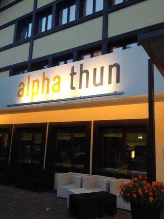 Alpha Thun : Vista frontal do Hotel