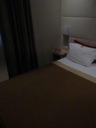 Hotel Elixir: ベッド