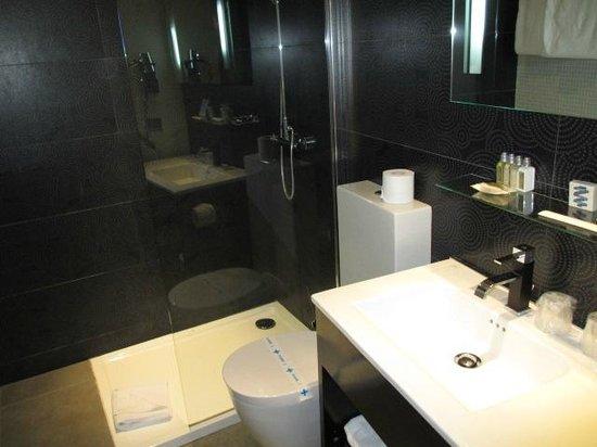 Hotel Caron : Salle de bain