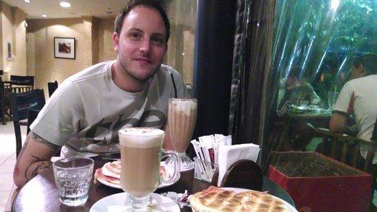 Bonafide Cafe: Yommy!