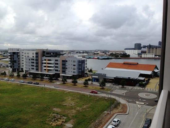Chifley Apartments Newcastle: View to Harbour