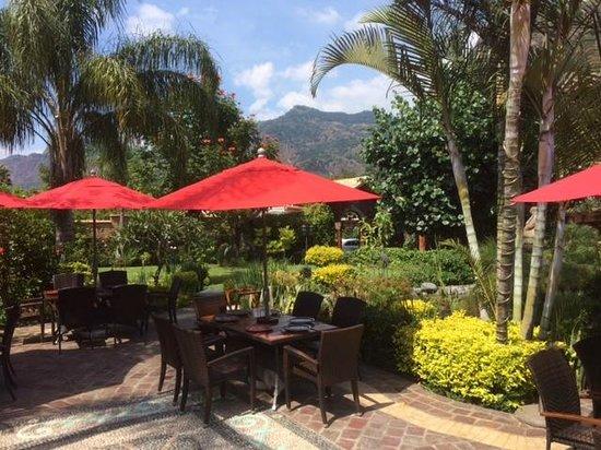 La Buena Vibra Retreat & Spa: Terraza del Restaurante