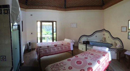 La Buena Vibra Retreat & Spa: Cabina del Spa para masajes en pareja