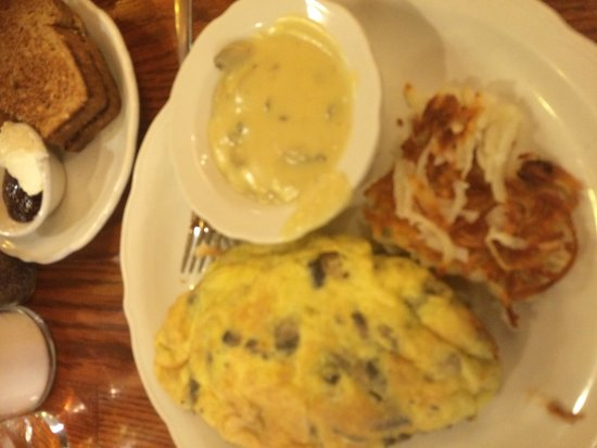 Walker Bros. Original Pancake House-Arlington Hts : Mushroom omlette