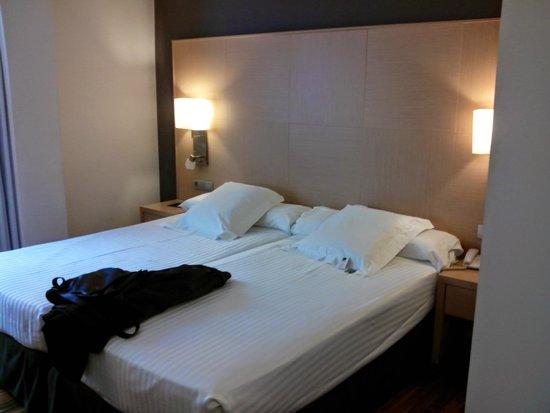 Hotel Marques de Vallejo : habitacion doble