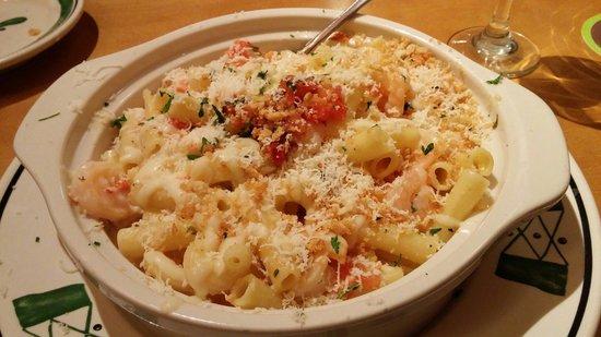 Baked parmesan shrimp picture of olive garden syracuse tripadvisor for Does olive garden take reservations