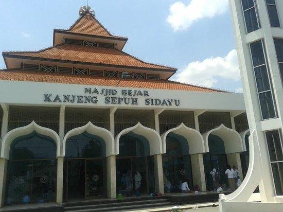 Gresik, อินโดนีเซีย: Masjid Besar Kanjeng Sepuh Sidayu