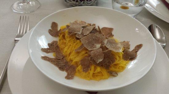 Osteria Del Vicoletto : Tajarin with white truffle