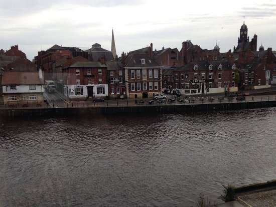 The Queens Hotel: Great view from our room!