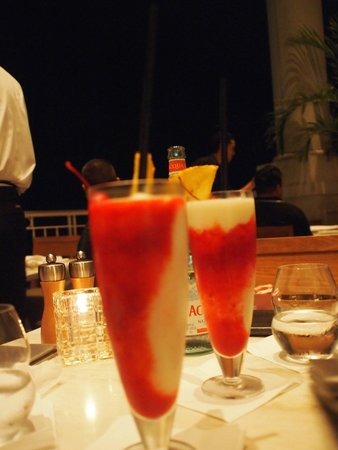 Mariposa: Passion Fruit drink