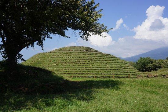 Guachimontones : round piramids