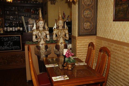 Phuket Thai Restaurant, Heidelberg. Salle à l'intérieur.