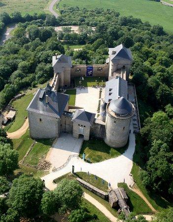 Manderen, Francie: Le château de Malbrouck, face Nord