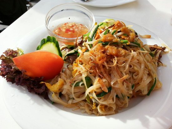Vietthao: Stir fried noodles with vegetables and beef