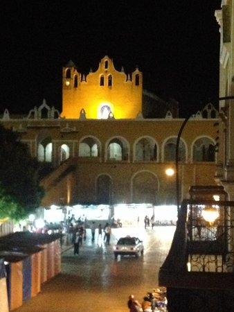 Hotel San Miguel Arcangel: Vista del balcón al convento